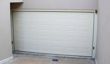 venus by javey porte de garage sectionnelle en acier isol e haut de gamme javey portes. Black Bedroom Furniture Sets. Home Design Ideas