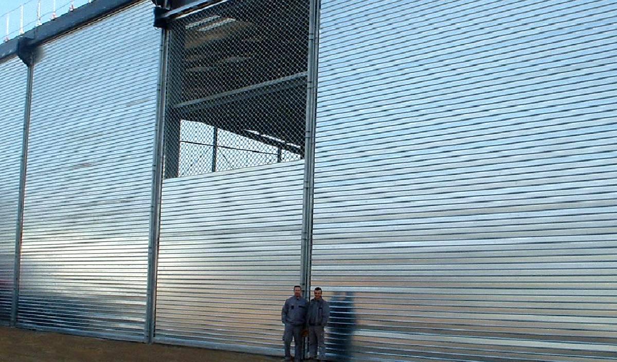 RIDEAU METALLIQUE - gamme complète de rideaux et grilles métalliques ...